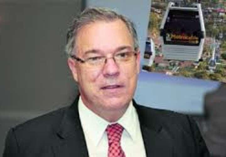 Tanque de gas defiende los $3.8 millones para actividades navideñas