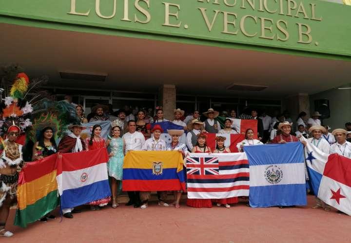 Celebración y desfile en Panamá Oeste