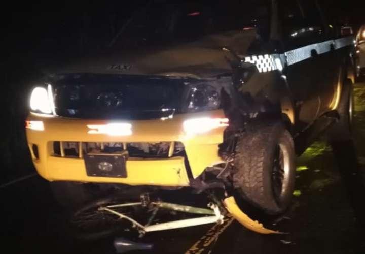 Ciclista muere tras colisionar con taxi en Chiriquí