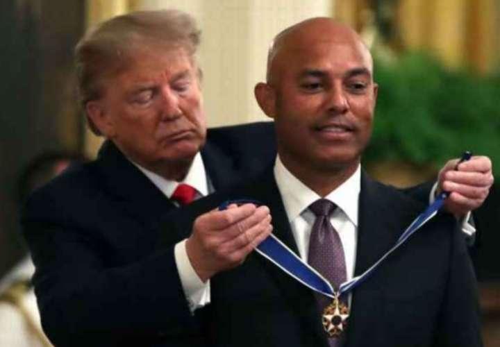 Donald Trump otorga alta distinción a la gloria panameña Mariano Rivera
