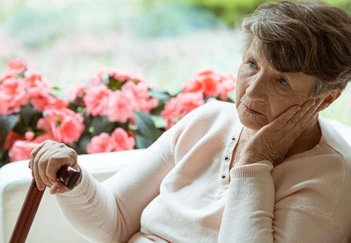 Científicos afirman que en diez años se tendría una cura para el alzhéimer