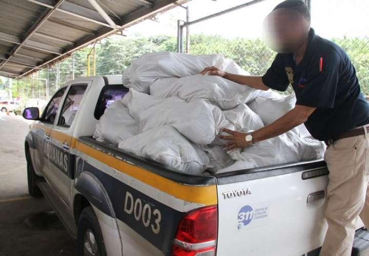 Retienen 148 sacos de ñames de contrabando en Merca Panamá