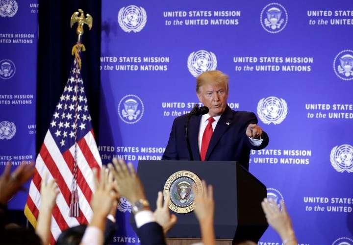 Trump defiende sus contactos con Ucrania