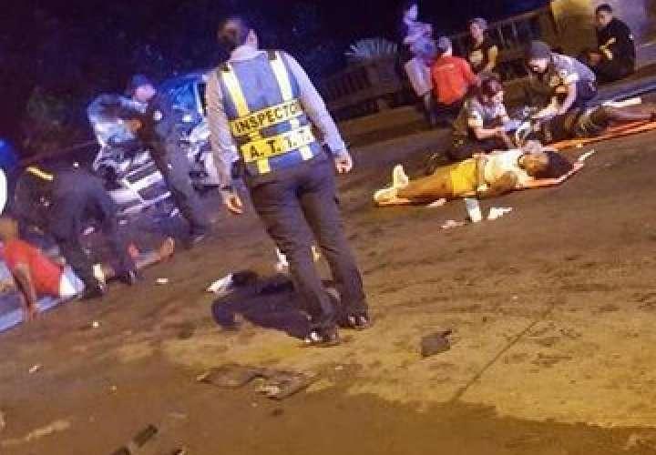 8 heridos por choque frontal en Chilibre [Video]