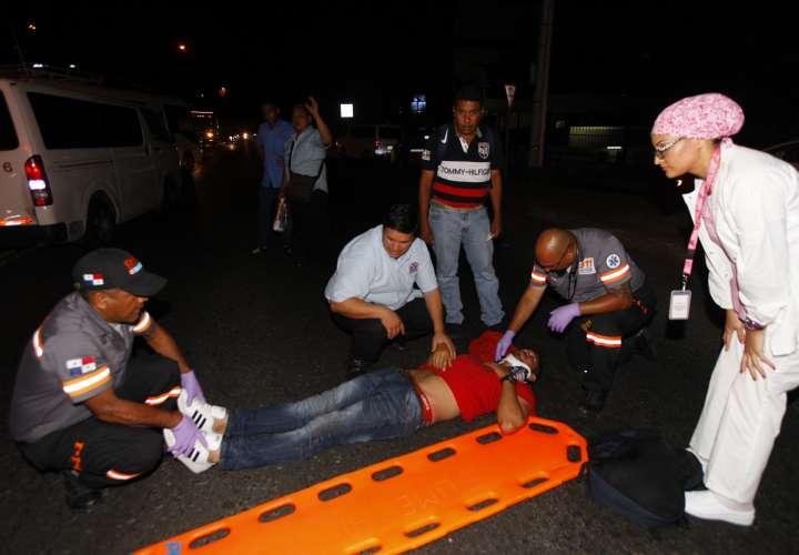 Hombre quedó tirado en la avenida de Los Mártires