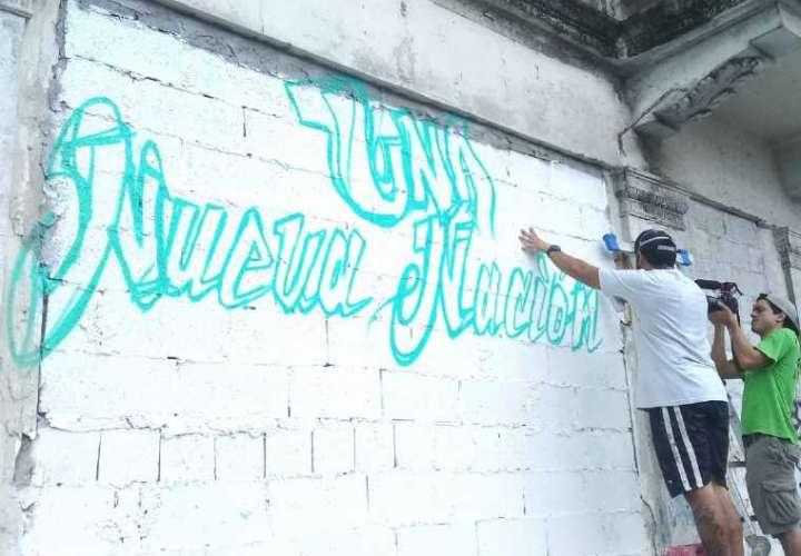 Arrestan a grafiteros del Grillo