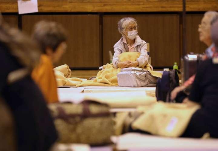 Un refugio causa indignación en Japón por rechazar a indigentes en pleno tifón
