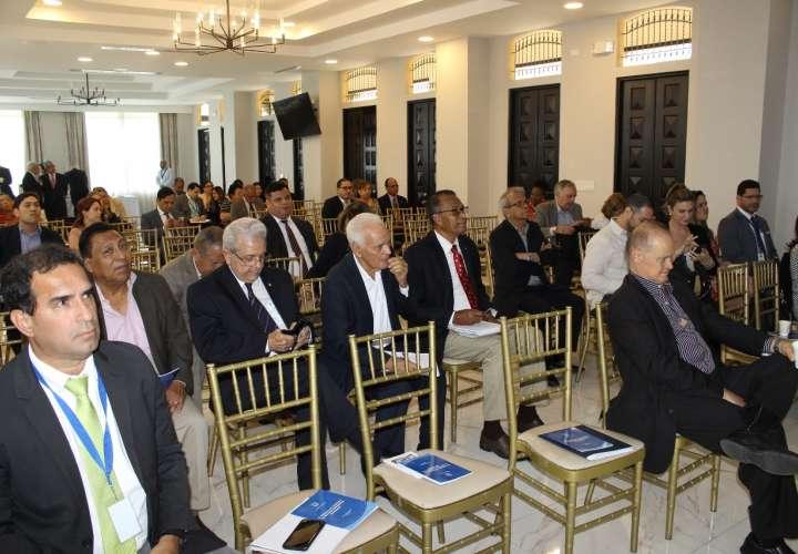 Capacitan a embajadores y autoridades sobre manejo del patrimonio del Estado