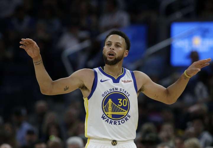 Curry es el veterano en Golden State, y su nuevo compañero en el perímetro D'Angelo Russell. Foto: AP
