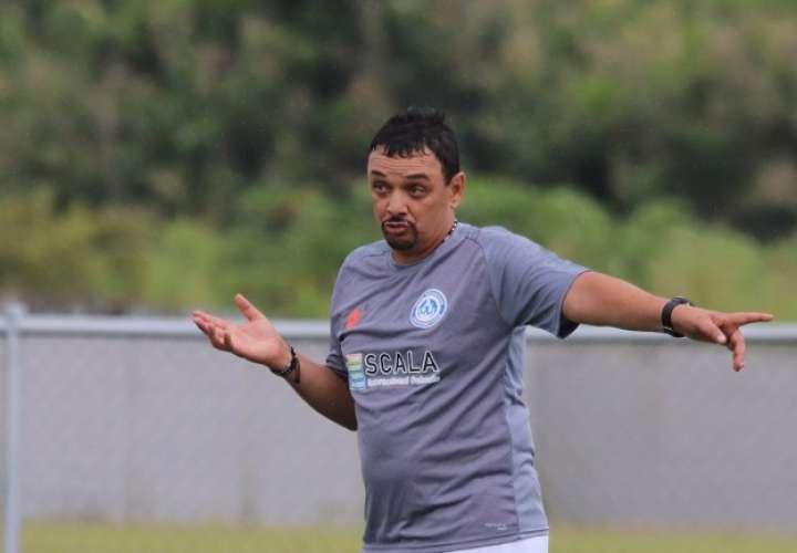 El colombiano Richard Parra vuelve al fútbol panameño