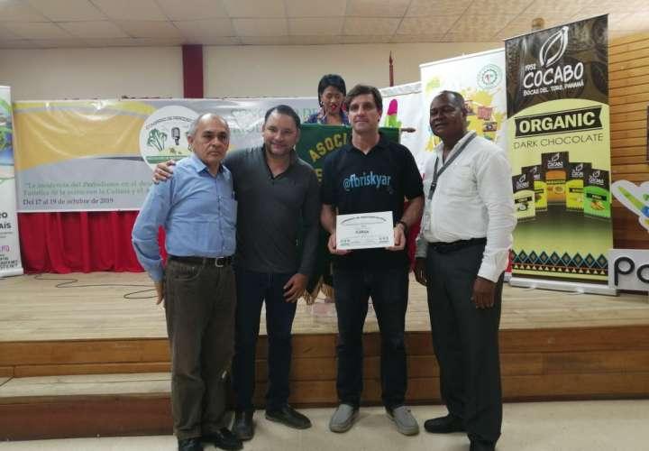 Reconocen participación de Epasa en Congreso de Periodismo