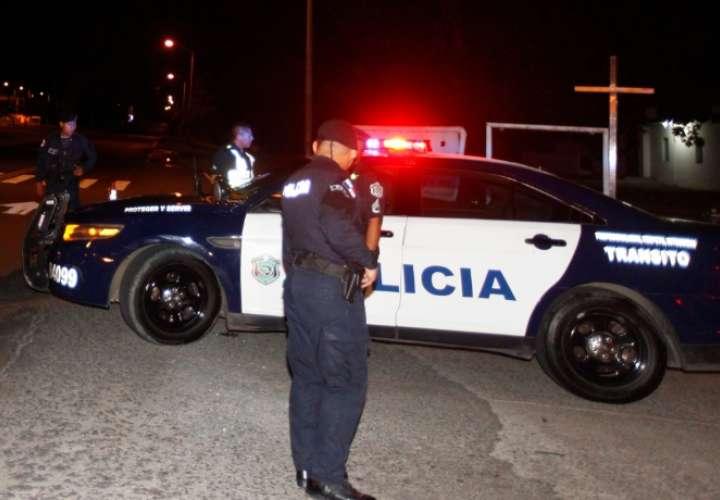 Atacan a policías en Pueblo Nuevo