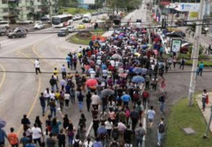 UTP realiza marcha en rechazo a las reformas constitucionales [Video]