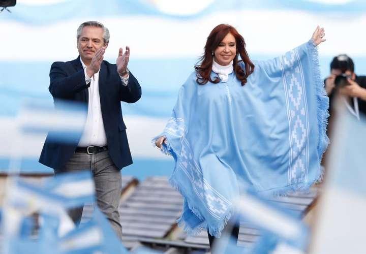 Los argentinos deciden en las urnas el futuro de su país