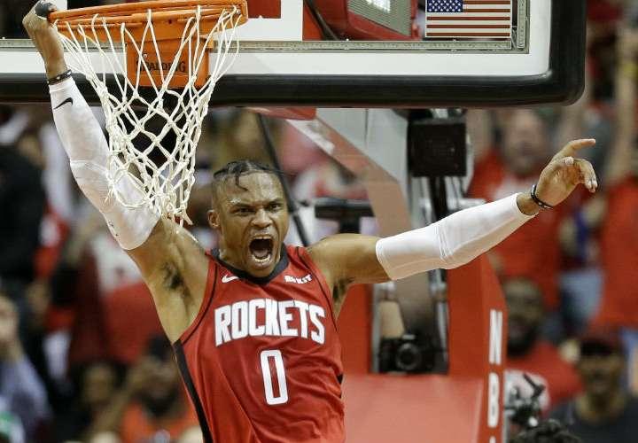 Russell Westbrook superó a Magic Johnson