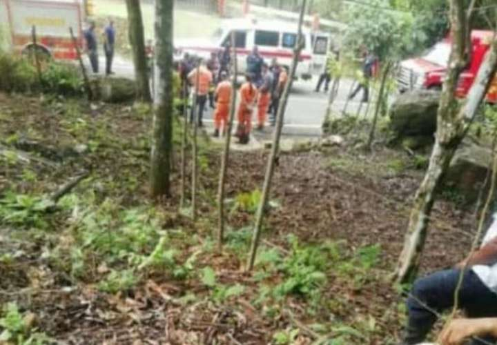 ¡Emergencia! Senderistas caen al vacío desde lo alto de Cerro Trinidad en Capira