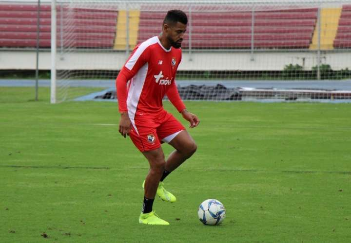 Godoy presentó dolor en su muslo izquierdo en la parte final del entrenamiento del martes. Foto: Fepafut