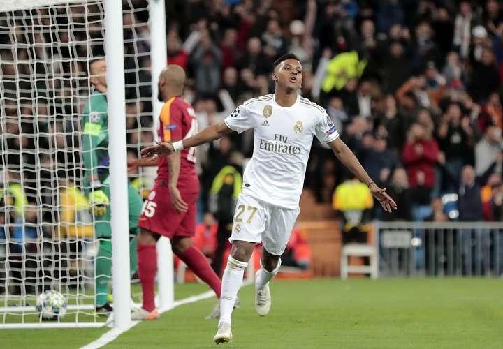 Rodrygo celebra uno de sus goles con el Real Madrid. Foto: AP