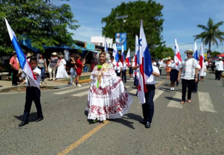 Tableños recuerdan Grito de Insurrección con acto cívico y desfile