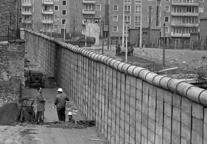 Celebran la caída del Muro de Berlín en la Biblioteca Nacional