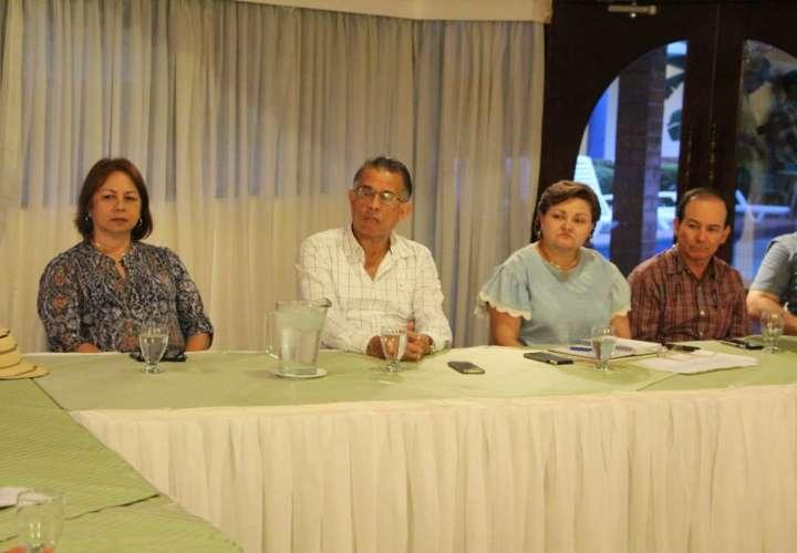 Unen esfuerzos para enfrentar problemáticas que afectan al sector ganadero