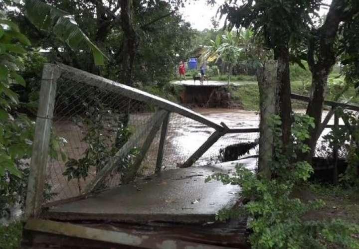 Continúan con evaluaciones y ayuda a familias afectadas por fuerte lluvia