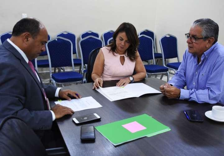 Inician construcción y remodelación de escuela en Bocas del Toro