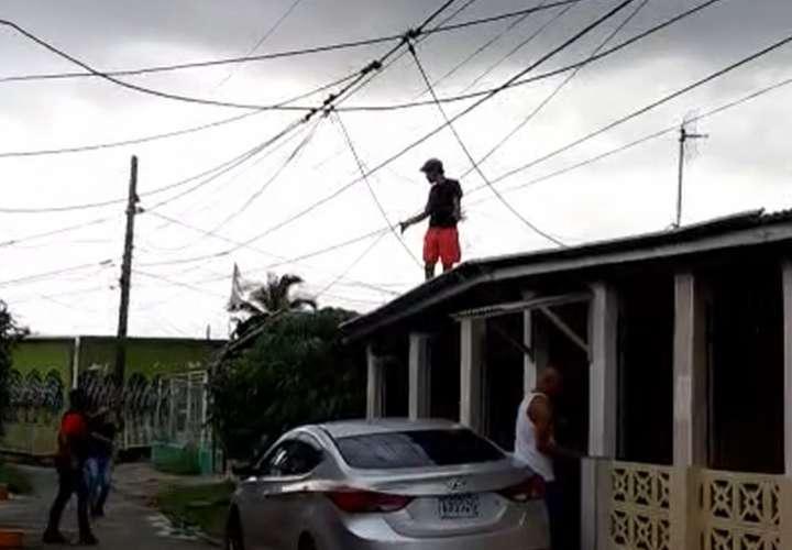 Sujeto fue capturado en techo de casa permanecerá detenido por homicidio