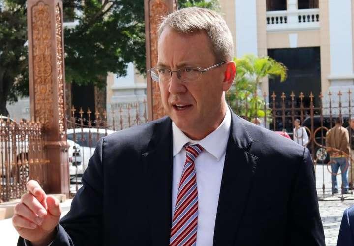 El encargado de negocios para la oficina externa de Estados Unidos para Venezuela, James Story. EFE