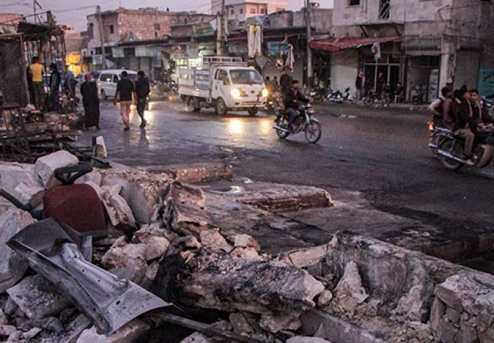 Al menos 19 muertos, 13 civiles, por coche bomba en norte de Siria, según ONG