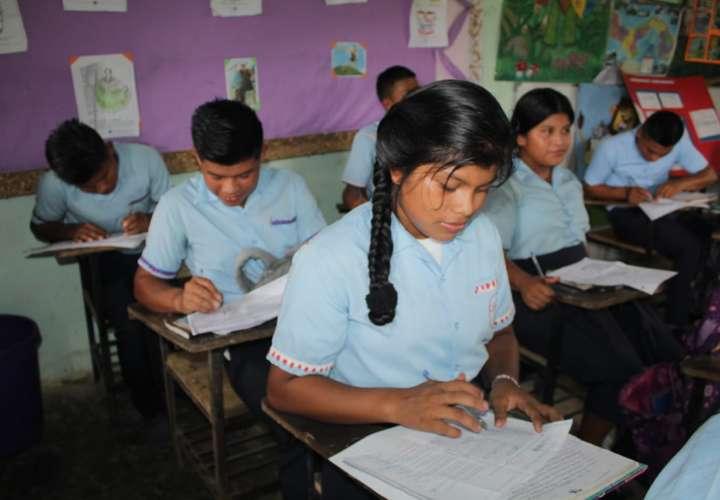 Estudiantes ngäbes recibirán reforzamiento académico en la Unachi