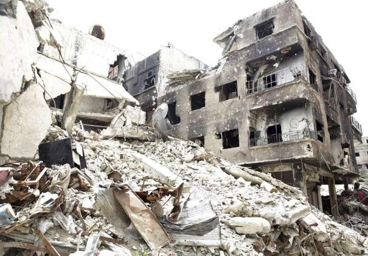 15 muertos, incluidos 6 niños en ataque a campo de desplazados en Siria
