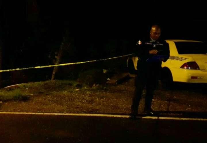 Fue a acompañar a su pareja a tomar un taxi y lo encontró la muerte en Cativá