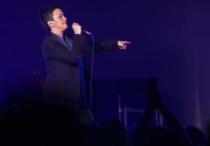 "Alanis Morissette anuncia gira para celebrar 25 años de ""Jagged Little Pill"""