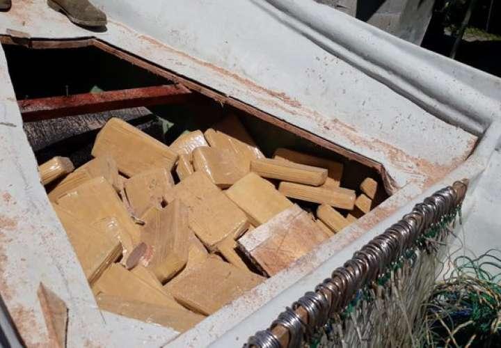 Tres colombianos detenidos por traficar 500 paquetes de droga en Punta Burica