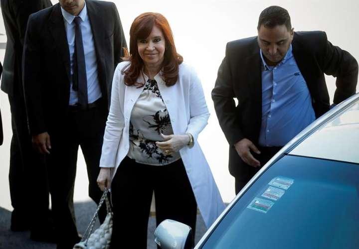 Cristina Fernández se sienta ante el juez a días de jurar como vicepresidenta