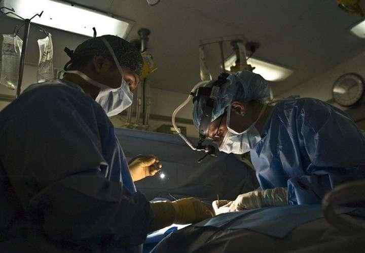 Insólito: Médicos trasplantan riñón a paciente equivocado