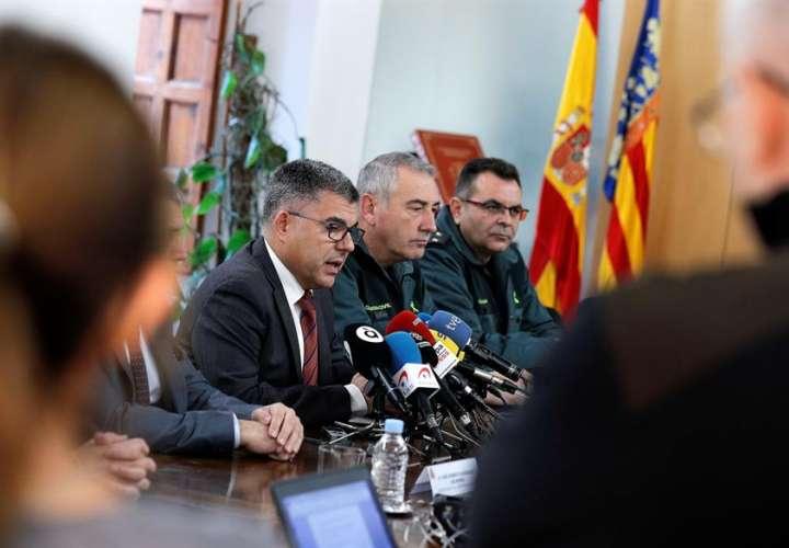 El delegado del Gobierno en la Comunitat Valenciana,Juan Carlos Fulgencio (c), durante la rueda de prensa. EFE