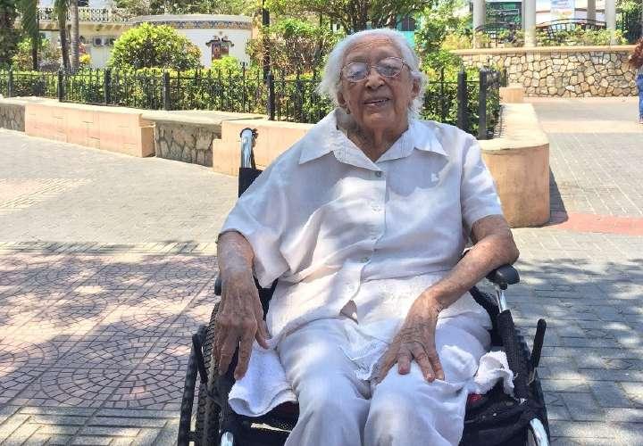 ¡Wao! Una chitreana está entre las 15 personas más longevas del mundo