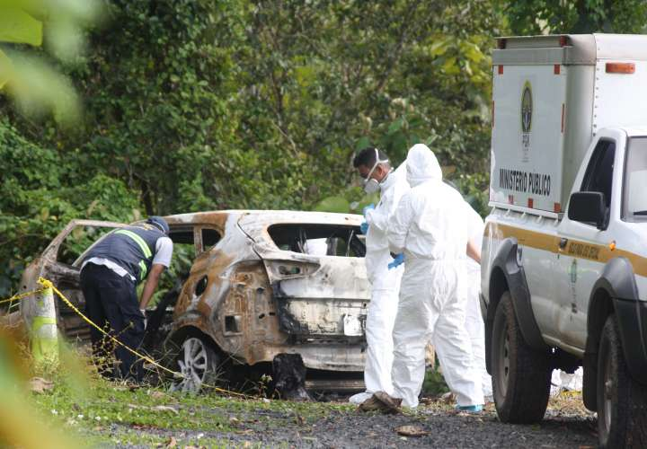 ¡Macabro! Hallan dos cuerpos calcinados dentro de un vehículo en Capira (Video)