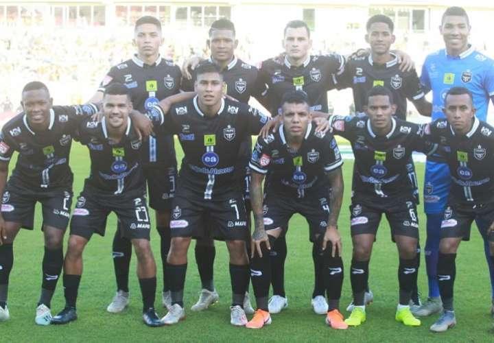 Tauro vence a Costa del Este y consigue su título 15 en el fútbol panameño