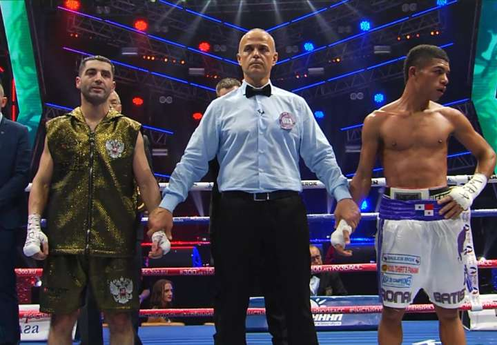 Panameño Ronal Batista pierde por decisión unánime en Rusia