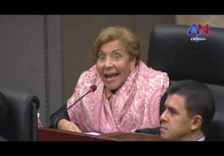 "Mayin denuncia fallido proyecto de ""Techos de Esperanza"""