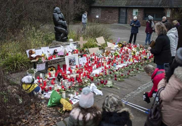 Investigan a 3 mujeres por incendio en zoológico de Alemania