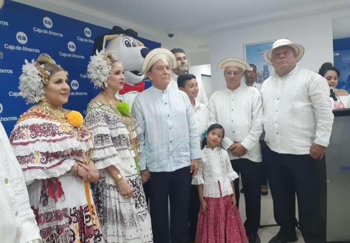 Nueva sucursal de Caja de Ahorros en la famosa calle Bolívar de Las Tablas