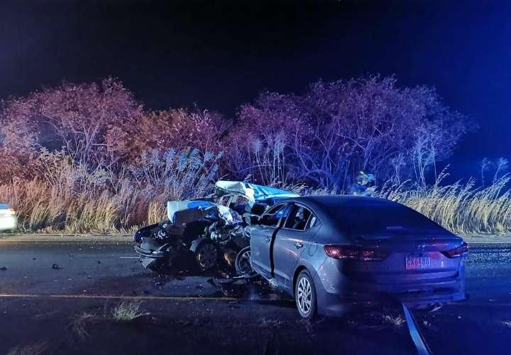 Capitán de la policía muere tras triple colisión en Natá que involucra un Senan