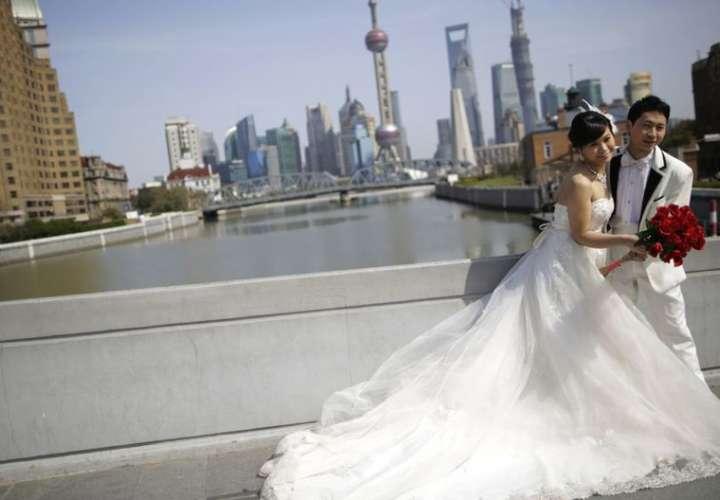 China pide que se pospongan las bodas y no se hagan funerales por el coronavirus