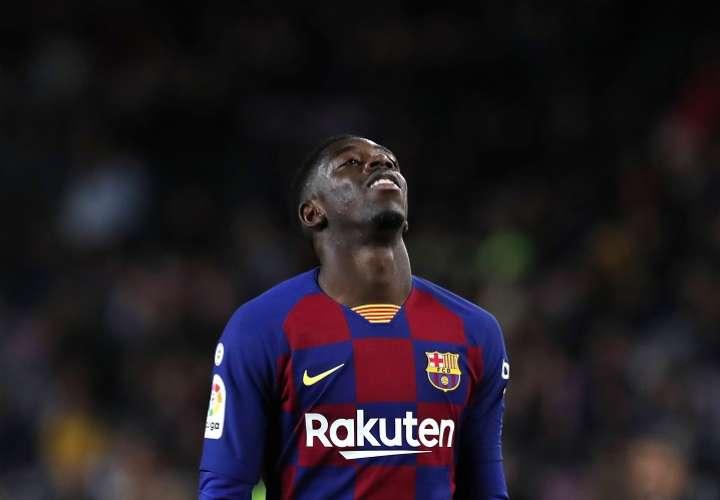 Dembélé estará unos seis meses de baja después de ser intervenidO. Foto: AP