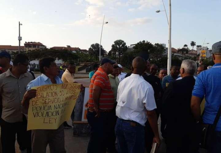 Capitanes de la Policía Nacional exigen cumplimiento en el proceso de jubilación