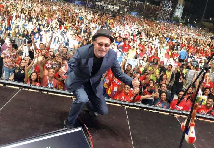 ¿Qué pasó? Público abandonó presentación de Blades en Barranquilla